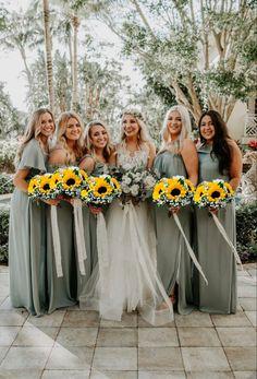 Sage Bridesmaid Dresses, Wedding Bridesmaids, Bouquet Wedding, Sunflower Wedding Bouquets, Bridesmaid Colours, Fall Sunflower Weddings, Wedding Ceremony, Sage Green Wedding, Fall Wedding Colors