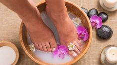 Procedure for Listerine foot soaking treatment is same while adding hot or cold water with it. Listerine and water foot soak treatment is . Foot Soak Vinegar, Food Grade Hydrogen Peroxide, Listerine Foot Soak, Diy Foot Soak, Foot Soaks, Pedicure Station, Pedicure At Home, Diy Pedicure, Pedicure Soak