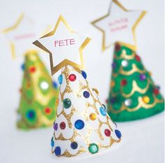 Kid Friendly Holiday Crafts - would be nice to let the kids make them as place cards for the Christmas dinner table :)