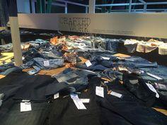 #ascarihosen #ascariaufmesse so viele neue aufregende jeans zu bestaunen #messeinmünchen