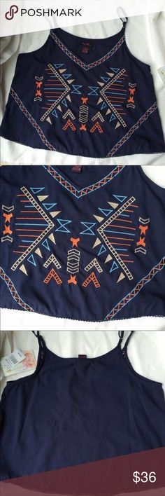 BRAND NEW Navy Boho Embroidered Crop Top Brand new with tags. Available in sizes medium and large. It's Pink Tops Crop Tops