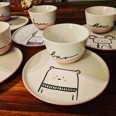 Wonderful Photo pottery mugs for kids Thoughts Oh wie freu ich mich. Nun erstmal trocknen und dann im Ofen brennen. Bin ich froh, dass die Farbe s Pottery Tools, Pottery Mugs, Ceramic Pottery, Pottery Art, Pottery Painting, Ceramic Painting, Ceramic Art, Ceramic Coffee Cups, Ceramic Plates