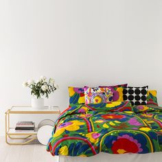 Donating Bed Linen To Charity Marimekko, Pink Bedding, Luxury Bedding, Bedding Sets, Home Bedroom, Bedroom Furniture, Orange Duvet Covers, Cool Rooms, Home Decor Inspiration