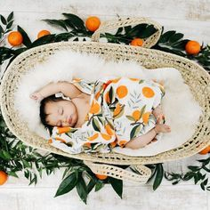 Orange Cotton Baby Muslin Swaddle - List of the most beautiful baby products Baby Winter, Summer Baby, Baby Pictures, Baby Photos, Baby Swaddle Blankets, Baby List, Baby Shower Gender Reveal, Tummy Time, Newborn Photos