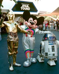 Star Wars opening of Star Tours in Disneyland Walt Disney, Disney Theme, Disney Love, Disney Magic, Disney Parks, Disney Resorts, Disney Tips, Disney Stuff, Disney Vacations