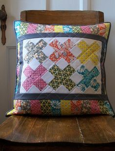 Love this pillow!  Could make a cute table runner....