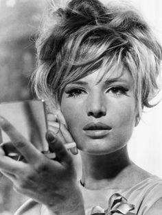 Monica Vitti, 1966 ...beautiful!