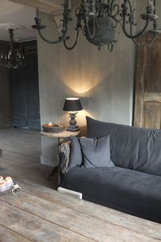 rustic living room in grey colours Interior Desing, Gray Interior, Home Interior, Interior Inspiration, Interior And Exterior, Interior Decorating, Decoration Gris, Casas Shabby Chic, Living Spaces