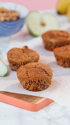 Recipe with video instructions: Gluten free AND full of fruit? This can only be from the hand of Miranda Kerr Ingredients: 180g rolled oats, 50g chopped walnuts, 2 tsp baking powder, ¼ tsp bicarbonate of soda, 1 ½ tsp ground cinnamon, 85g honey, 2 tbsp chia seeds, 70g goats milk yogurt, 125ml apple juice, 2 eggs, lightly beaten, 1 egg white, 4 tbsp coconut oil, ½ tsp vanilla bean powder (I used vanilla extract), 2 large organic green apples, 2 ripe bananas, Adapted from self.com