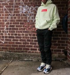 outfits that match yeezy 700 off 55