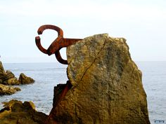 "Eduardo Chillida: ""El peine de los vientos"" (The comb of the winds)"