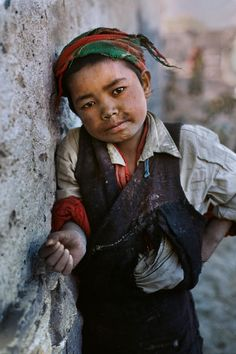 Tibet/ Photography by Steve McCurry / Here you can download Steve's FREE PDF Catalog and order PRINTS /stevemccurry.com/...