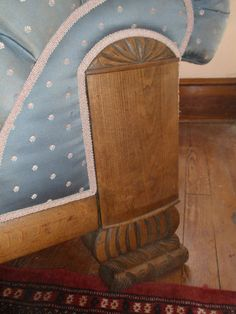 Antique ladies chaise or bed couch w figured velvet fabric for Antique chaise lounge ebay