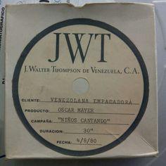 @jwtspain Abre uno la caja y aparece un trozo de la historia de Oscar Mayer #oscarmayer #jwtcuidapublicidad #jwtspain
