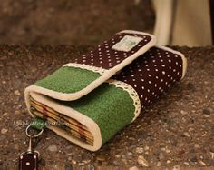 Accordion wallet/clutch sewing pattern -- PDF file -- Email delivery download in email -- Make It Yourself