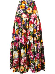 Shop online black Dolce & Gabbana floral print skirt as well as new season, new arrivals daily. Floral Fashion, Fashion Dresses, Fashion Design, Floral Print Skirt, Floral Prints, Plus Size Formal, Designs For Dresses, Dolce E Gabbana, Clothing Hacks
