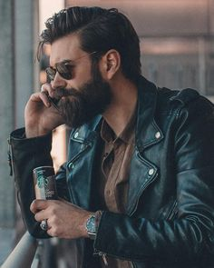 Hairstyle and beard for men. Sunglasses for men from Rayban. Beard Styles For Men, Hair And Beard Styles, Long Hair Styles, Barba Sexy, Style Masculin, Slicked Back Hair, Sexy Beard, Beard Lover, Awesome Beards