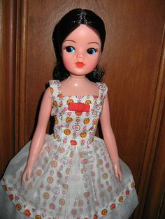 Brunette Sindy doll   by Fi McBlurry @ flickr