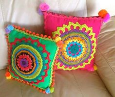 Crochet knitting ideas to decorate our home – - Stricken Ideen Mandala Motif, Mandala Au Crochet, Crochet Motifs, Crochet Patterns, Doll Patterns, Crochet Home, Cute Crochet, Knit Crochet, Crochet Dolls