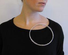 Hege Osdalen - brooch - Argent / perles d'eau douce