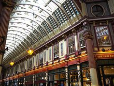 Visiting all the Harry Potter locations in London made easy: here's where you'll find all the filming locations PLUS some hidden extras. #travel #London #Potterheads