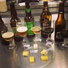 Oitava aula da 3ª turma do curso de Sommelier de Cerveja do Mestre-Cervejeiro.com / Universidade Positivo. Harmonização cervejas curitibanas com queijos. #cerveja #harmonizacao #beer #cheese #pairing