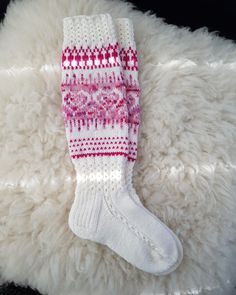 Wool Socks, Knitting Socks, Hand Knitting, Knitting Patterns, Crochet Patterns, Crochet Slippers, Knit Crochet, Knit Art, Sock Toys