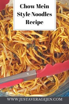 Delicious Slimming World friendly Chow mein style noodles that are easy to make and full of flavour. As good as a chinese takeaway! Slimming World Noodles, Slimming World Recipes, Slimming Eats, Chow Mein Noodle Recipe, Chinese Fakeaway, Syn Free Food, Chicken Chow Mein, Good Healthy Recipes, Kitchens