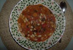 """Fazole z kláštera """"Sv. Konstantin a Elena"""" Chana Masala, Lentils, Beans, Ethnic Recipes, Food, Lenses, Essen, Meals, Yemek"""