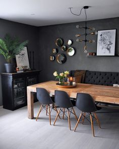 Dining Room Paint Colors, Dining Room Table Decor, Country Dining Rooms, Dining Room Walls, Decor Room, Dining Room Design, Wood Table, Design Room, Black Dining Room Paint