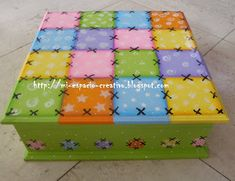 81.- Cofre / Joyero Patchwork Diy Painting, Painting On Wood, Painted Boxes, Hand Painted, Girls Jewelry Box, Country Paintings, Country Crafts, Craft Box, Keepsake Boxes