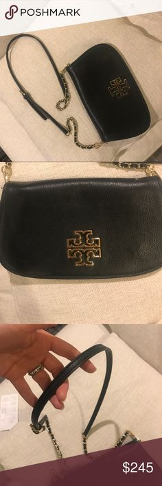 Classic Tory Burch shoulder bag Detachable and adjustable chain strap so purse can be worn as a clutch or on the shoulder. Classic Tory Burch in perfect condition! Tory Burch Bags Shoulder Bags