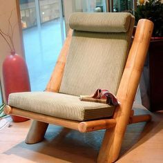 top 16 easy and attractive diy projects using bamboo, wood chair upcycle diy projects Bamboo Sofa, Bamboo Furniture, Log Furniture, Faux Bamboo, Upcycled Furniture, Furniture Design, Chair Design, Furniture Ideas, Business Furniture