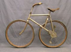 Circa Bronco style cross frame pneumatic bicycle with gear driven axel crank. Wooden handlebars, tires appear to be original (Departure Road Tires Fish Rubber Co. Velo Vintage, Vintage Cycles, Vintage Bikes, Cool Bicycles, Cool Bikes, Antique Bicycles, Power Bike, Gear Drive, Cycling Art