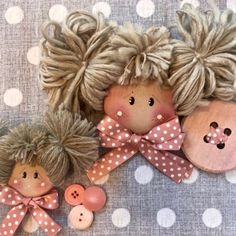 Best 12 Hand made Personalized Gifts – Puppet – Wedding Favors, Baby Favors, Dolls … Christmas Toys, Handmade Christmas, Christmas Ornaments, Free To Use Images, Baby Sewing Projects, Sewing Dolls, Doll Hair, Fairy Dolls, Diy Doll