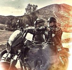 Jax and chibs sons of anarchy