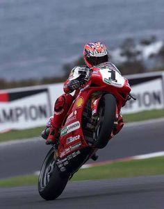 World superbike champion Carl Fogarty Ducati 1198, Ducati Superbike, Ducati Motorcycles, Motos Sexy, Velentino Rossi, Gp Moto, Grand Prix, Motorcycle Racers, Motosport