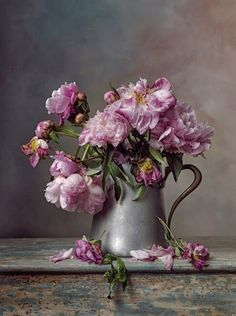 Roses and Rust: The Aesthete's Alphabet - J is for Jugs