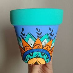 Pottery Painting, Ceramic Painting, Stone Painting, Diy Painting, Flower Pot Art, Flower Pot Design, Painted Plant Pots, Painted Flower Pots, Pots D'argile