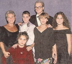 river phoenix family | Copyright(c) 2002 My River Phoenix Collection. All rights reserved.