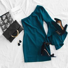 Charming Minimalist Outfits Ideas To Inspire Your Style Outfits Casual, Night Outfits, Classy Outfits, Dress Outfits, Casual Dresses, Fashion Dresses, Look Girl, Frack, Mode Hijab