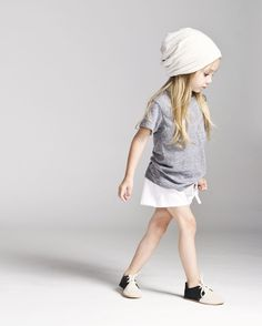 Ready to go back to school? Adorable little girl with a hat #wow #kids #style
