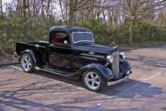 1936 Chevrolet FC Series Pick-Up Truck customized - petrol engine - 160 bhp - wheelbase inch - curb weight 1430 kg - load capacity 675 kg Classic Pickup Trucks, Chevy Pickup Trucks, Chevy Pickups, Gm Trucks, Chevrolet Trucks, Lifted Trucks, Antique Trucks, Vintage Trucks, Antique Cars