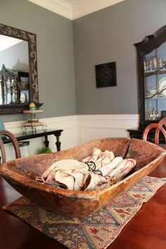 Dough Bowl in the Dining Room. -- (Need to do this with my Dough Bowls from Germany) Blue Dining Room Paint, Dining Room Colors, Dining Room Walls, Dining Room Design, Prim Decor, Rustic Decor, Rustic Bowls, Wood Bowls, Wooden Dough Bowl