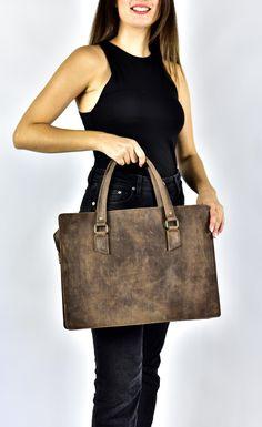 Premium Leather Tote bag, Waxed Dark Brown Leather Bag, School Bag, Travel Tote bag, Shopper Bag, Rustic bag, Leather grain bag Leather Mules, Cow Leather, Vintage Leather, Leather Bag, Shopper Bag, Tote Bag, Briefcase Women, Briefcases, Dark Brown Leather