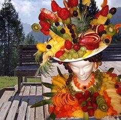 Get your fruit on! Weird Fruit, Fruit Centerpieces, Centrepieces, Veggie Art, Fruit Creations, Food Garnishes, Garnishing, Fruit Displays, Buffet Displays