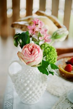Fru Fru, Brunch Wedding, Shabby Vintage, Sunday Brunch, Glass Collection, Milk Glass, Colored Glass, All The Colors, Event Planning
