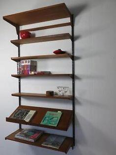 wandrek Kai Kristiansen teak jaren 60 met boeken standaard