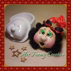 Sencillamente espectacular!! puedes dar la forma y el toque que quieras a cualquier personaje con las termoformas de Prodisni. Recuerda que las tenemos a la venta en nuestra tienda virtual. No te quedes sin las tuyas!! #termoformas #foamy #foami #fomi #prodisni #artfoamycreative Foam Crafts, Felt Diy, Biscuit, Autumn Theme, Wool Felt, Stencils, Santa, Dolls, Halloween