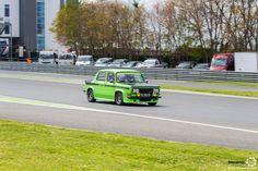 #Simca #1000 #Rallye aux #ClassicDays. #MoteuràSouvenirs  Reportage complet : http://newsdanciennes.com/2016/05/02/presque-un-grand-soleil-pour-les-classic-days-2016/ #ClassicCar #Voitures #Anciennes
